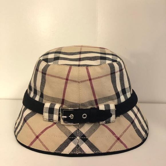 71c319567 💖 BURBERRY Like New London Nova Bucket Hat #8579